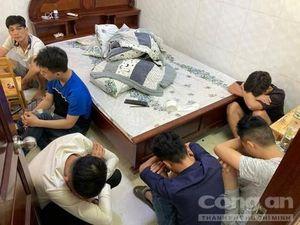 14 đối tượng phê ma túy trong nhà nghỉ ở Sài Gòn giữa lúc dịch Covid-19
