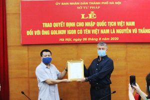 Hà Nội: Lần đầu tiên trao quyết định nhập quốc tịch Việt Nam cho công dân nước ngoài