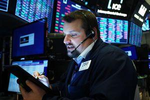 Giới đầu tư tự tin xuống tiền, chứng khoán toàn cầu khởi sắc