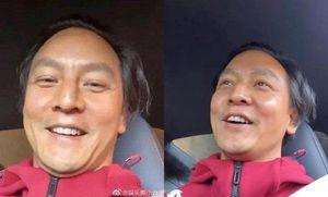 'Quốc bảo nam thần' Hoa ngữ Ngô Ngạn Tổ lộ mặt mộc ở tuổi 45 khiến dân tình tranh cãi ầm ĩ