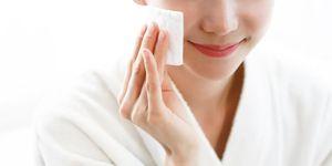 Tẩy trang đúng cách giúp bạn tiết kiệm cả chục triệu tiền sắm mỹ phẩm dưỡng da