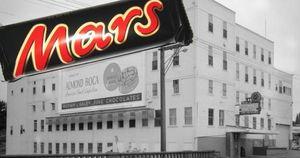 Những bí ẩn đằng sau 'đế chế chocolate' của gia tộc giàu thứ 2 thế giới: Đóng chặt cánh cửa với dư luận và nhất quyết không niêm yết công ty