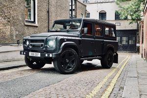 Land Rover Defender 110 độ siêu hầm hố nhờ Chelsea Truck