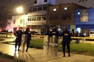 Cảnh sát Peru dẹp tiệc chui mùa Covid-19, 13 người chết vì giẫm đạp