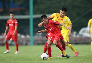 Xem U22 Việt Nam thi đấu nội bộ với điểm nhấn siêu phẩm đá phạt