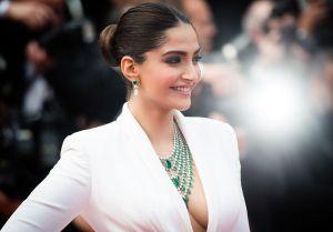 5 sao Bollywood đeo trang sức đắt giá lên thảm đỏ