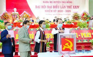 Đồng chí Võ Văn Rân tái đắc cử Bí thư Huyện ủy Trà Bồng