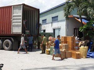 Triệt phá kho hàng quy mô lớn có dấu hiệu nhập lậu tại TP. Hồ Chí Minh