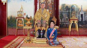 Vua Thái Lan phục vị cho cho Hoàng phi bị phế truất