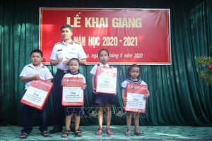 Khai giảng năm học mới ở huyện đảo Trường Sa