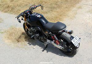 Đam mê bất tận Honda CB400 bản kỷ niệm độ Cafe Racer tại Sài thành