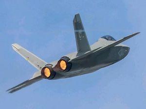 Bắc Kinh bay thử tiêm kích tàng hình FC-31, cạnh tranh F-35 Mỹ