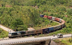 Đường sắt 'vươn dài' những đoàn tàu liên vận