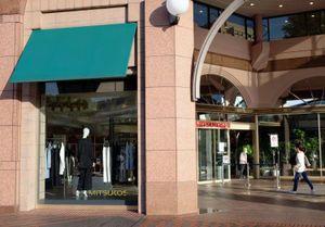 'Chuông báo tử' cho những trung tâm thương mại lâu đời tại Nhật Bản