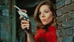 'Bond Girl' Diana Rigg qua đời