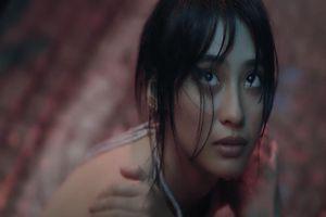 Hot girl lai Việt - Pháp lộ thần thái ngút trời trong MV mới