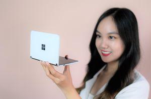 Smartphone 2 màn hình giá hơn 40 triệu về Việt Nam