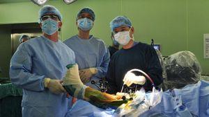 Mua sắm trang thiết bị y tế từ góc nhìn pháp lý