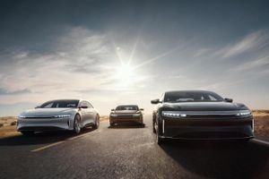 Bộ ba ôtô điện mạnh nhất thế giới
