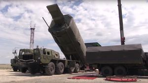 Ông Trump tố Nga 'đánh cắp công nghệ tên lửa siêu vượt âm từ Mỹ'