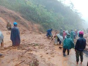 Kỳ Sơn (Nghệ An): Mưa lũ gây sạt lở, cô lập một số bản giáp biên giới