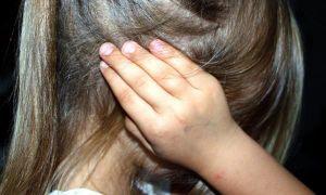 Bị đánh đập dã man ở nhà, cô bé 7 tuổi khi vào viện đã van xin bác sĩ 'đừng cứu sống cháu'