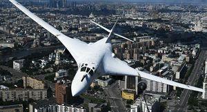 Máy bay Nga Tu-160 lập kỷ lục thế giới về tầm bay xa