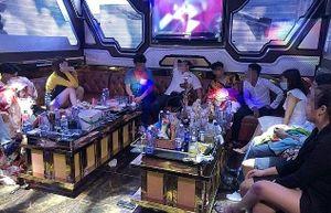 Phát hiện 33 'dân bay' dương tính ma túy trong quán karaoke