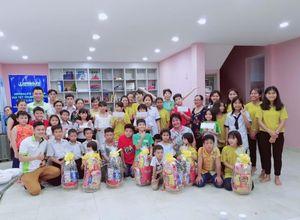 Herbalife Việt Nam tặng quà và tổ chức sân chơi Trung thu cho thiếu nhi