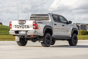 Đôi điều cần biết về Toyota Hilux Mako, giá hơn 1,2 tỷ đồng
