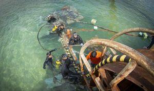 Cấp điện bằng cáp ngầm xuyên biển cho hơn 600 hộ dân