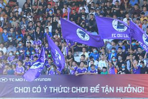 Giải 'phủi' HPL-S8: CĐV lấp kín khán đài, không kém cạnh V-League 2020