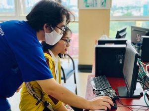 Ứng dụng công nghệ mùa nhập học: Lợi đôi đường