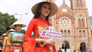 Ngắm những tà áo dài truyền cảm hứng trên đường phố Sài Gòn
