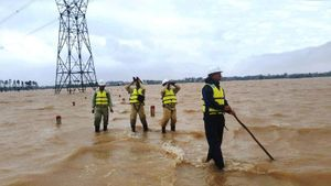 Truyền tải điện Quảng Bình ứng phó với trận lũ lịch sử