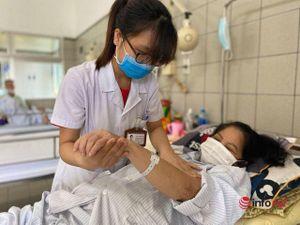 Ho, sốt, đều dùng 'thần dược', nhiều bệnh nhân nhận kết đắng