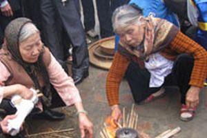 Lễ hội kéo lửa thổi cơm làng Thị Cấm