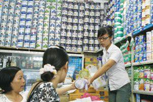 Bóc trần bí ẩn giá sữa ngoại