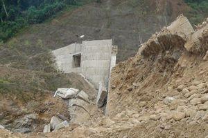 Đập thủy điện Đăk Mek 3 vỡ vì xây bằng... cát trộn bê tông