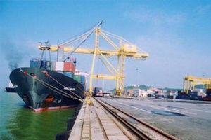 Cảng biển - điểm tựa kinh tế miền Trung