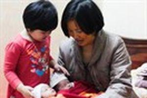 Thụ tinh từ tinh trùng người đã chết: Pháp luật vẫn ghi nhận tên cha