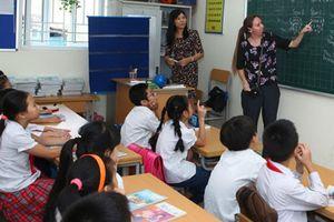 Dạy hay kinh doanh môn tiếng Anh ? - Kỳ 2: Né chương trình chính để dạy liên kết