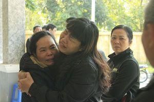 Cháy nhà, 6 người chết: 'Chị ơi, em không biết chạy ra đường nào'