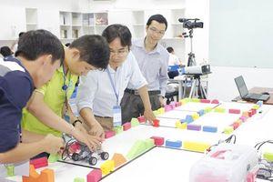 Lập trình sáng tạo robot, ứng dụng di động cho học sinh