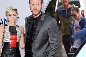 Miley Cyrus hủy diễn, đi nghỉ cùng bạn trai Liam Hemsworth