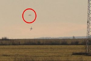 Clip Chiến đấu cơ rượt đuổi vật thể lạ trên bầu trời Bulgaria