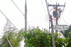 Cần làm rõ vụ thợ điện chết trên trụ điện