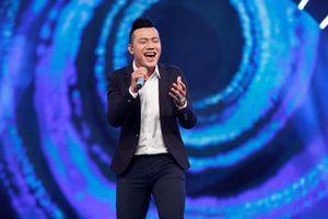Vietnam Idol 2016: 'Chàng trai bán bún bò' Bá Duy gây ấn tượng mạnh
