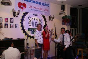 Bác sĩ ở Sài Gòn lặn lội đi hát 'kiếm cơm' cho... bệnh nhân nghèo