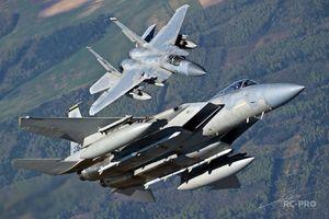 Mỹ nâng cấp tiêm kích F-15, Nga 'vỗ tay' khen ngợi
